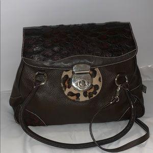 Puntotres Leather Handbag